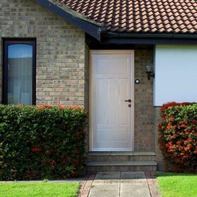 врата за къща